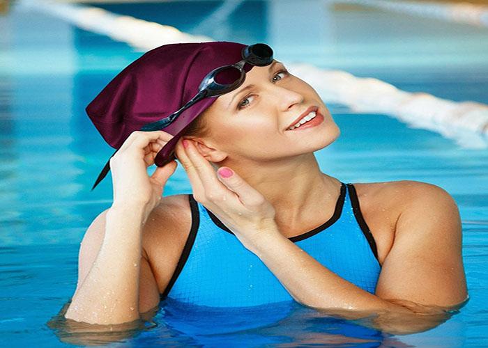 Sử dụng kính bơi, mũ bơi